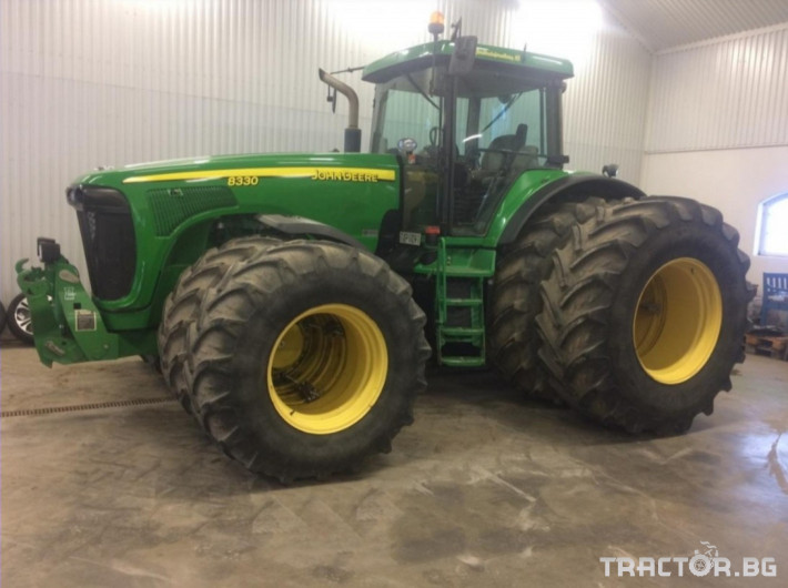 Трактори John-Deere 8230 Power Shift 0 - Трактор БГ